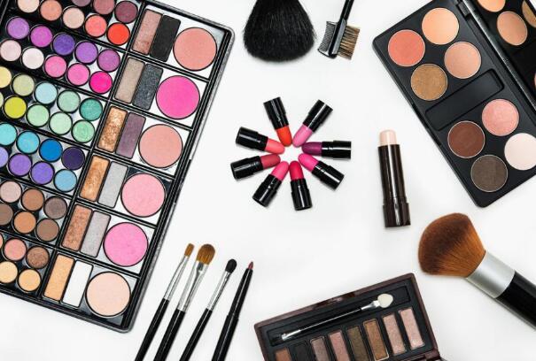 卖化妆品赚钱吗?